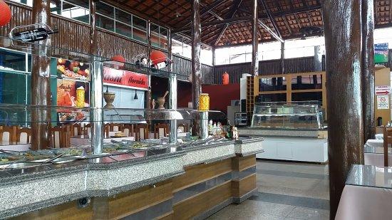 Taiobeiras: Vista do buffet de comida e sobremesa