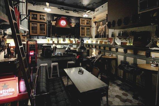 Buena Vista Social Bar: Buena Vista interior