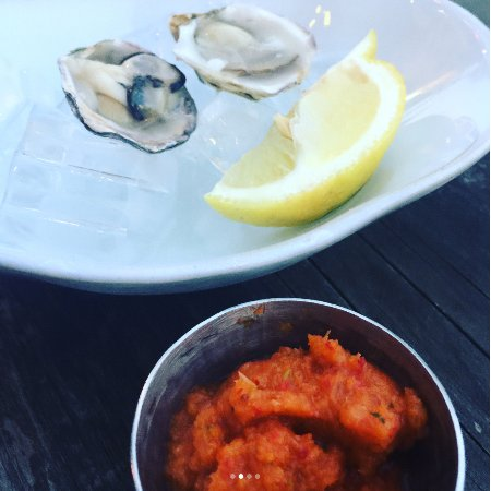 Rockford, MI: The chef's special - kisshi oysters with a scriracha aoli