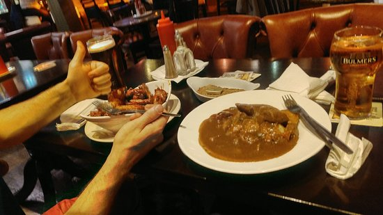 Tp Smiths: Beef stew with Guinness sauce and chicken wings with Jameson bbq sauce