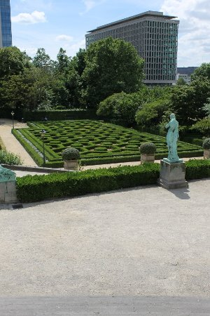 Saint-Josse-ten-Noode, Belgium: Formal parterre