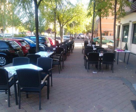 Terraza picture of exento gastrobar alcorcon tripadvisor for Calle oslo alcorcon
