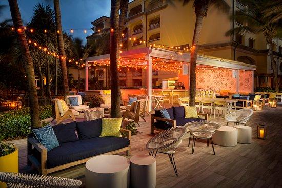 Manalapan, FL: Evenings at Breeze Ocean Kitchen