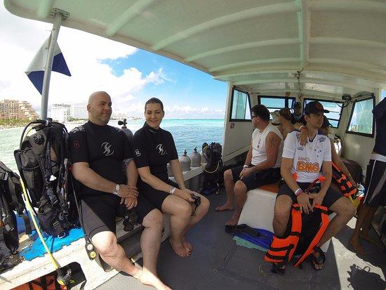 Solo Buceo Dive Shop : barco, a caminho de isla mujeres