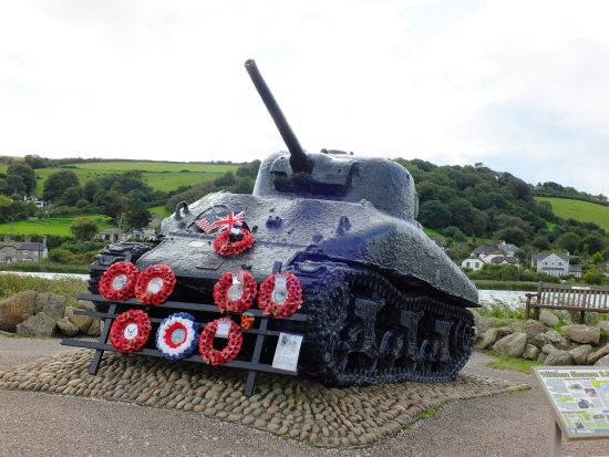Slapton, UK: Ken Small's Sherman tank at Torcross with a heroic take to tell