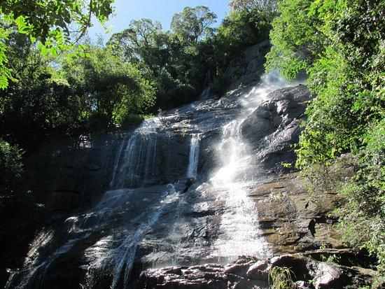 Bueno Brandao: Cachoeira do Machado II