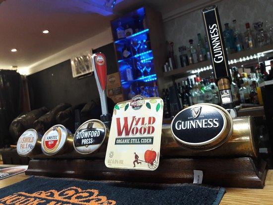 Wroxton, UK: Clean Well Presented Bar