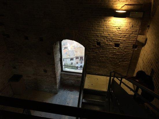 Torre Grossa (o Torre del palazzo del Podesta) : Internal stairs