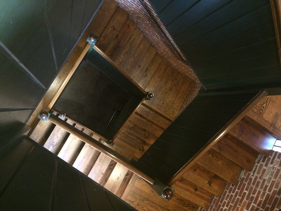 Cork Factory Hotel: Picture of the old stairs.