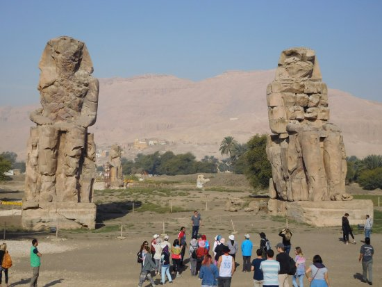 the two statues of Colossi of Memnon