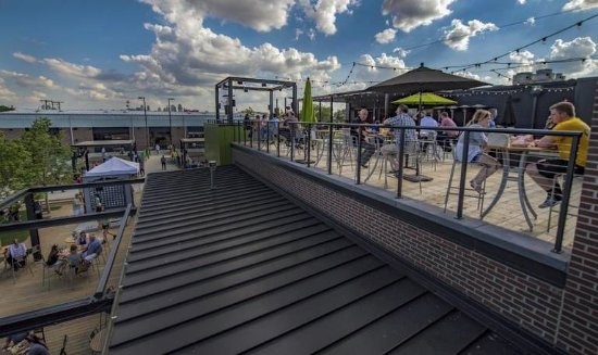 North Kansas City, MO: Rooftop Patio