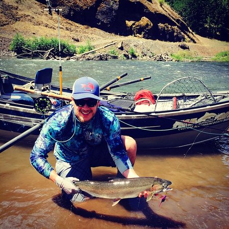 Pasco, WA: Fly fishing for steelhead
