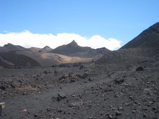 Isabela, Ecuador: Дорога по лавовым полям к вулкану Чико