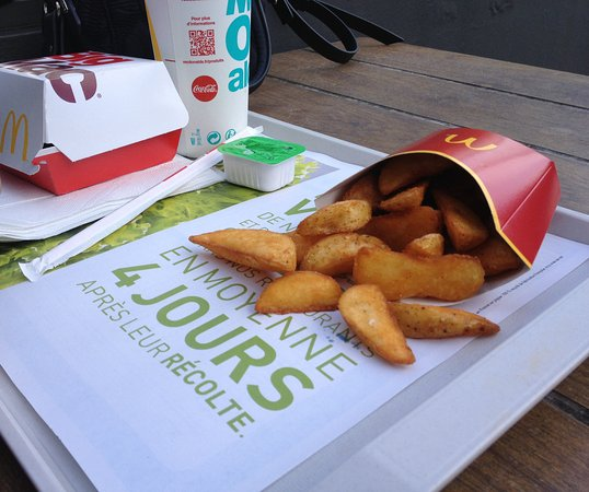 Vanves, Francia: Potatoes avec plateau Mc Do