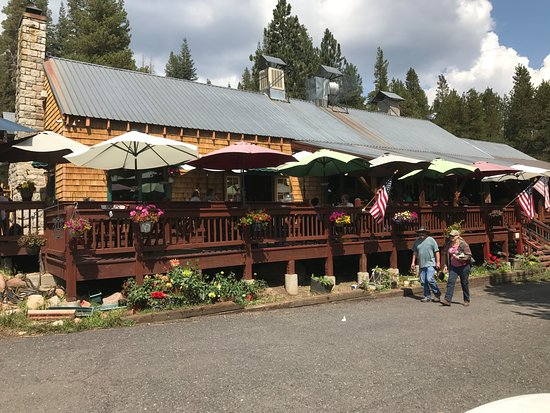 Arnold, CA: View of the restaurant