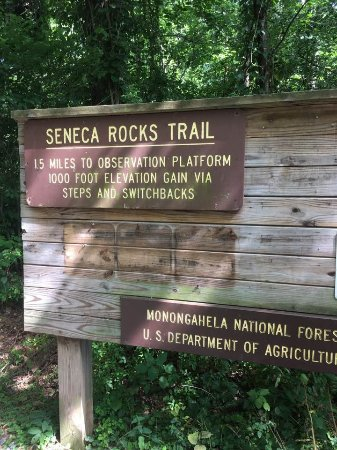 Seneca Rocks State Park: Sign at the bottom of the trail.