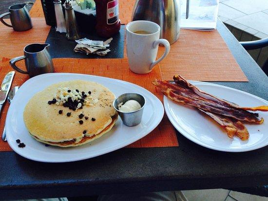 Hilton Hawaiian Village Waikiki Beach Resort Breakfast From Tropics Bar Grill At The