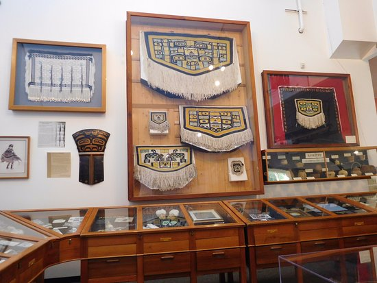 Haines, AK: exhibits and display cases