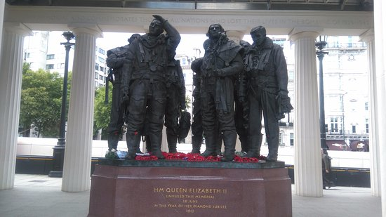 Bomber Command Memorial : Aircrew of Bomber Command,
