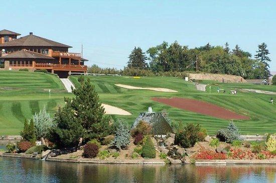 Apple Tree Golf Resort