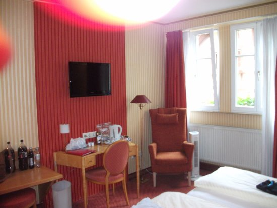 Romantik Hotel Markusturm: Bedroom has space to walk around and other sitting areas