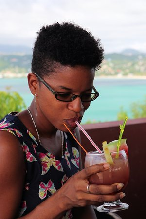Crochu, Grenada: Make time for yourself and your friends and enjoy drinks with our spectacular views