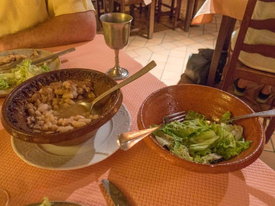 Montreuil-Bellay, France: Entree & salad - Comfort food at it's best
