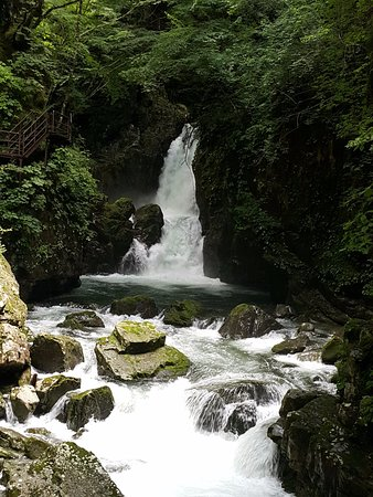 Osakacho Waterfalls: 小阪瀑布群