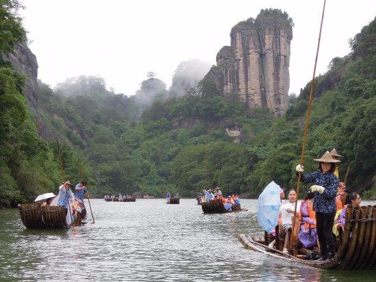 Wuyi Shan, الصين: 九曲溪漂流可一窺武夷山另一美麗風貌_