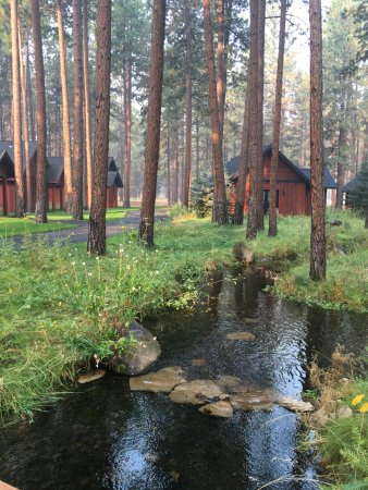 Sisters, Орегон: Cabins have a beautiful, tranquil setting