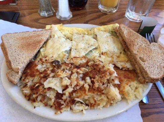 Beaver, WA: Omelette with hash browns