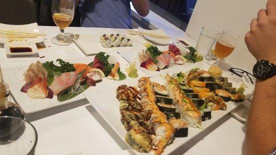 Aka sushi japanese restaurant 1801 n west ave in for Aka japanese cuisine menu