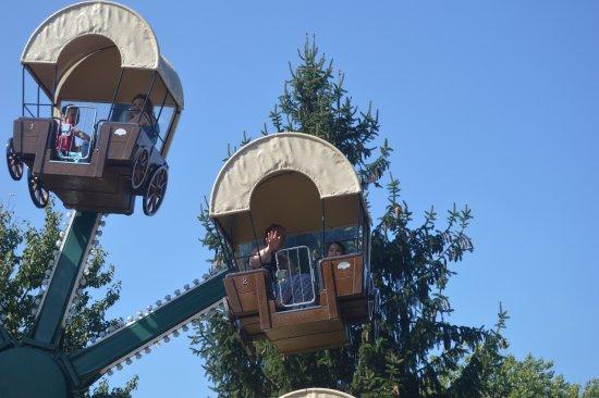 Dorney Park & Wildwater Kingdom: Ferris Wheel, Planet Snoopy