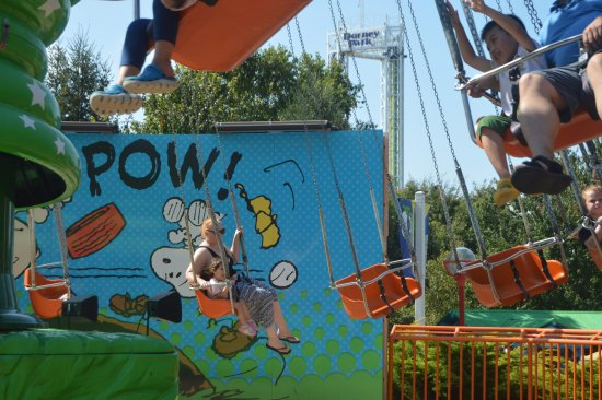Dorney Park & Wildwater Kingdom: Planet Snoopy ride for little kids