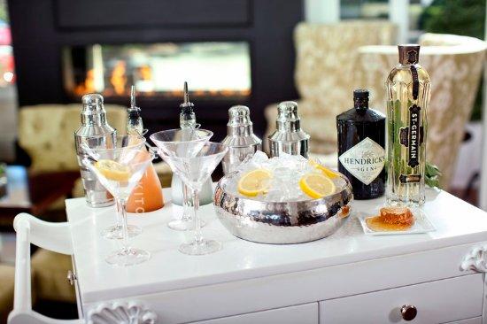 Del Mar, CA: L'Happy Hour Cocktail Cart