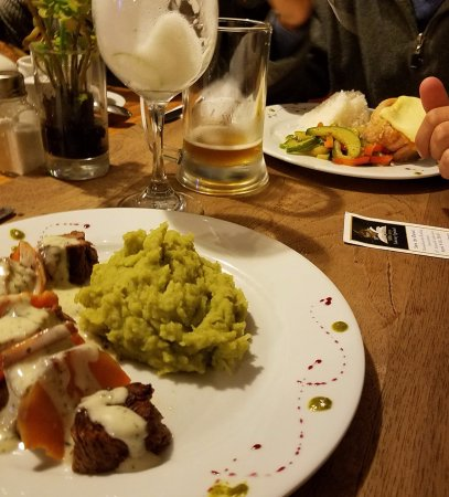El Albergue Restaurant: A great selection of food and drinks