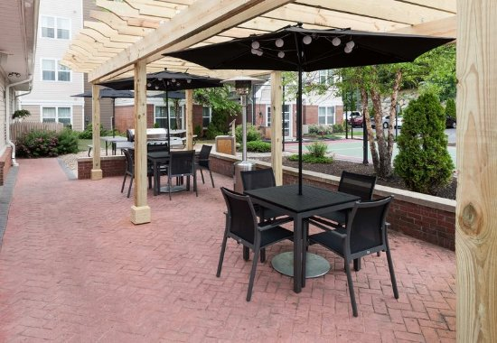 Marlborough, Массачусетс: Outdoor Patio