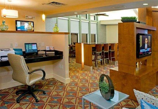 Franklin, MA: Business Center