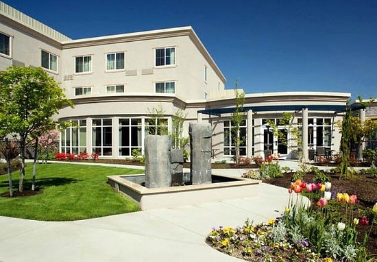 Kirkland, WA: Courtyard