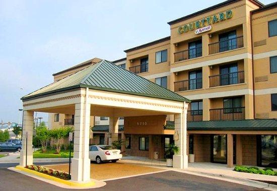 Springfield, VA: Entrance