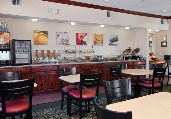 Liverpool, Estado de Nueva York: Breakfast Buffet