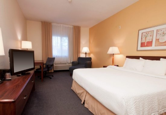 Liverpool, NY: King Guest Room