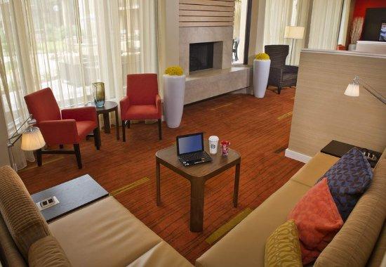 Landover, Μέριλαντ: Lobby Sitting Area