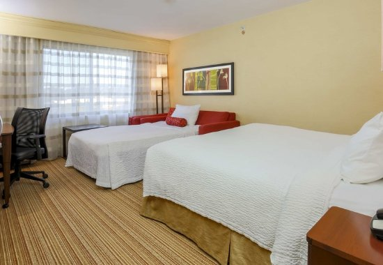 Woodbridge, VA: King Guest Room - Sofa Bed