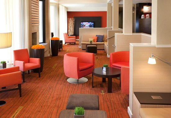 Cupertino, CA: Lobby Seating Area
