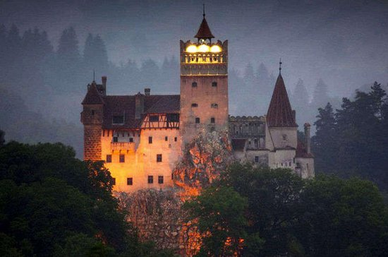 Private Day Trip to Dracula Castle in...