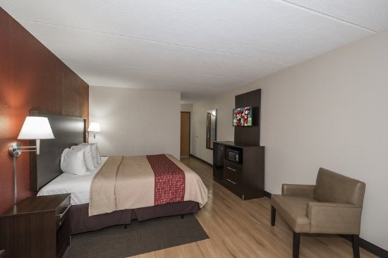 Cortland, NY: King Suite