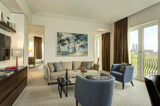 The Charles Hotel - Executive Suite