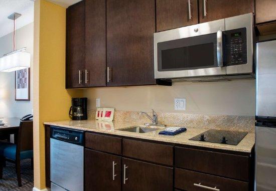 Winter Garden, FL: Queen/Queen Studio Suite Kitchen