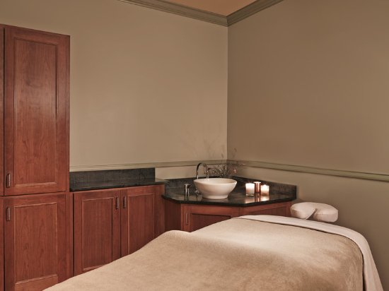 Manchester, VT: The Spa at Equinox Treatment room